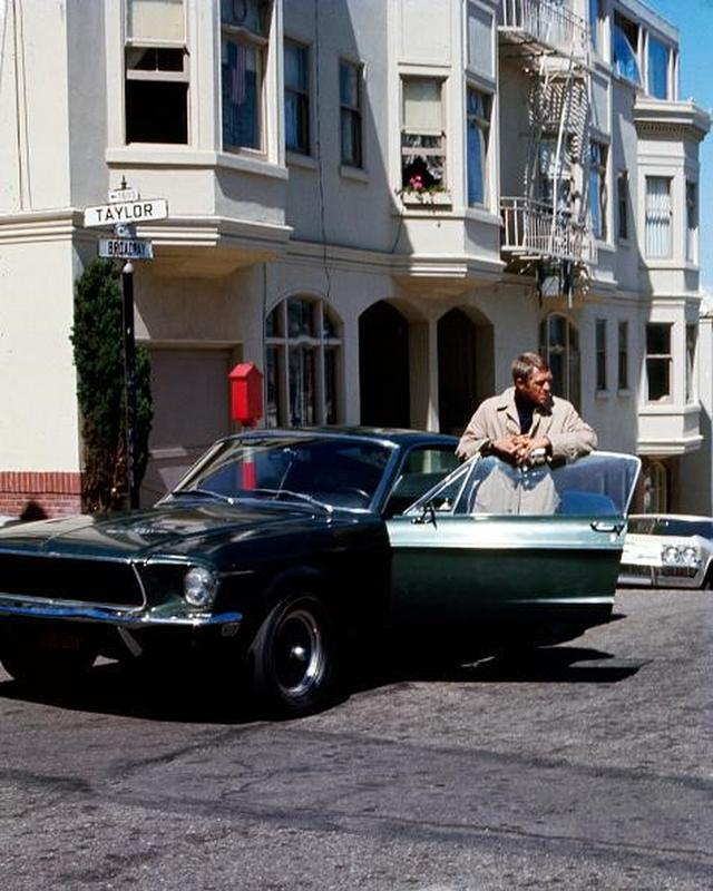 Old car chase movie