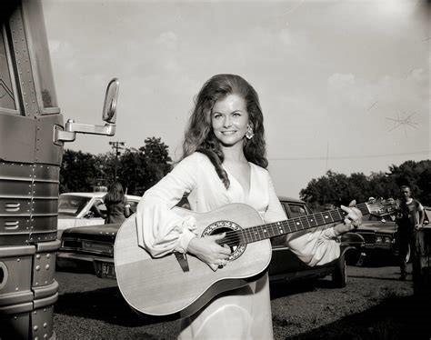 Jeannie Riley S The Day My Momma Socked It To The Harper
