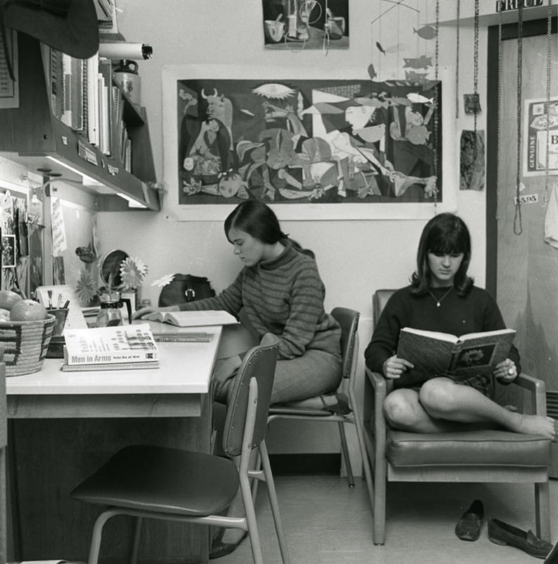 You Won T Believe These College Dorm Rooms Of The 1960s